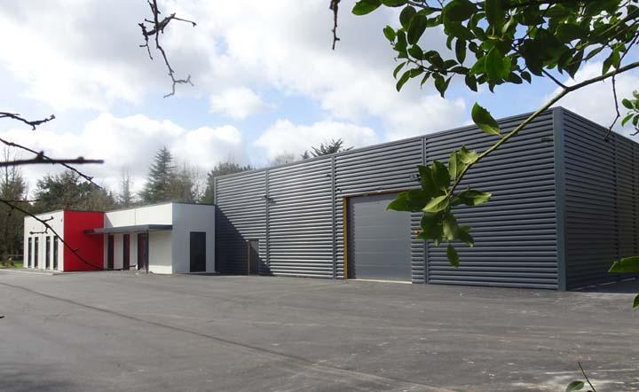 construction d'un bâtiment industriel à usage de bureaux et d'atelier, stockage de l'entreprise